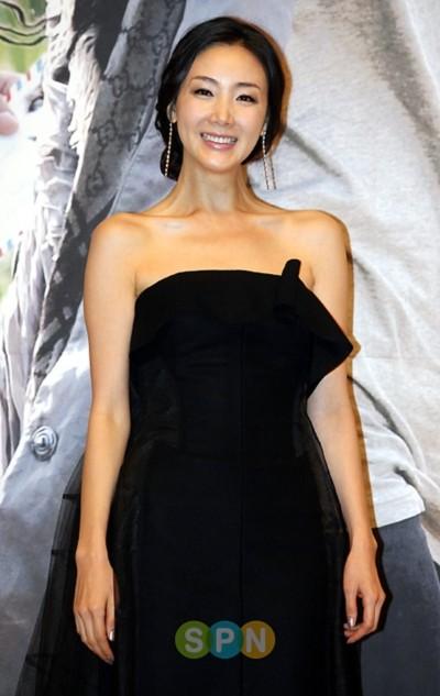 Nữ diễn viên Choi Ji Woo. Ảnh: mydaily.