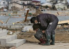 Những hình ảnh rơi nước mắt sau thảm họa ở Nhật Bản