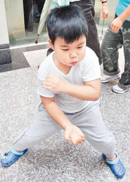Những nhóc tỳ ưa thể hiện nhất làng giải trí - Tin180.com (Ảnh 8)