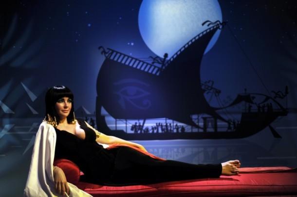 Tượng sáp vai diễn Cleopatra của Liz tại bảo tàng Madame Tussauds ở Hollywood
