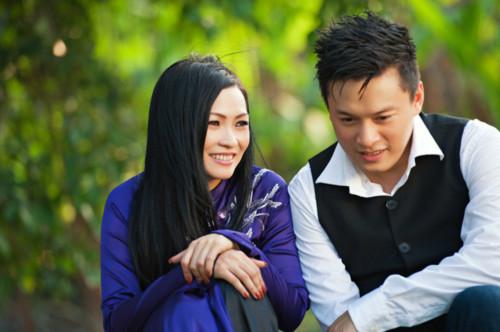 Phương Thanh đẹp dịu dàng bên Lam Trường