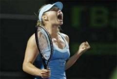 Sharapova nhọc nhằn vào bán kết Sony Ericsson Mở rộng