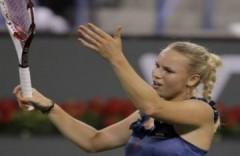 Thắng dễ Sharapova, Wozniacki vào chung kết BNP Paribas