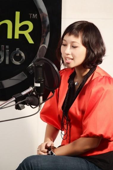 Khánh Linh là một trong những nghệ sĩ Việt rất yêu thích nền văn hóa Nhật Bản.