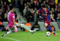 """Tròn một năm Messi đá """"trung phong"""": """"Số áo"""" nào cho Leo?"""