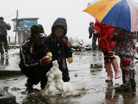 Tuyết rơi tại Sa Pa cảnh báo tình trạng thời tiết khắc nghiệt