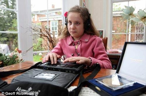 10 tuổi thông thạo 4 ngoại ngữ