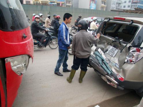 tai nạn ô tô