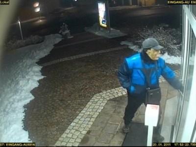Áo đã bắt được kẻ cướp mang mặt nạ Obama