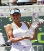 Azarenka gieo sầu cho Sharapova trong trận chung kết