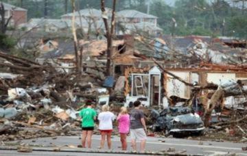 Bão lốc tàn phá nước Mỹ làm 159 người chết