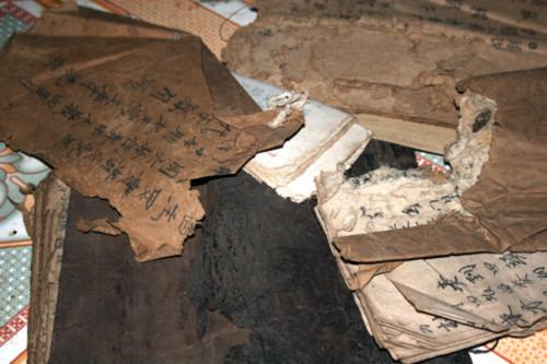 Bí ẩn bộ sách cổ của người Dao đỏ