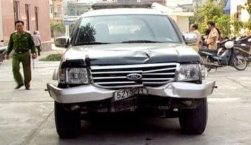 Bị truy đuổi, tài xế đâm chết người vứt ôtô tẩu thoát