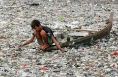"""""""Bốc mùi"""" con sông bẩn nhất thế giới"""