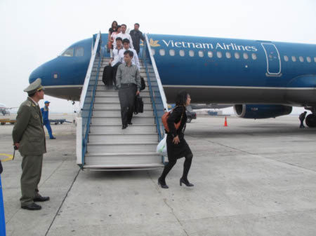 Bức xúc việc Vietnam Airlines đòi cấm bay võ sư