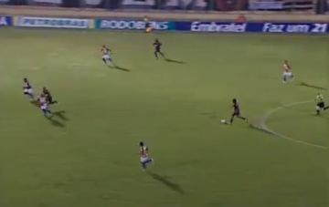 Cầu thủ Brazil ghi bàn giống tuyệt phẩm của Messi