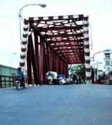 Cây cầu nguy hiểm ở Sài Gòn