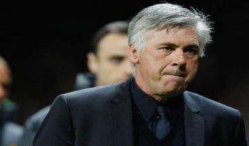 Chelsea nhắm Hiddink thay thế Ancelotti