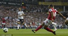 Chia điểm nghiệt ngã, Arsenal hết cửa đuổi kịp MU