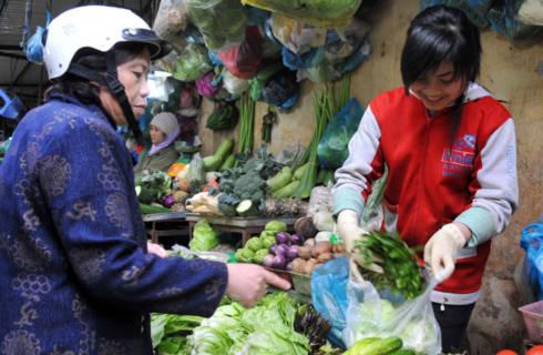 Giá hàng ăn và dịch vụ ăn uống tại Hà Nội tăng hơn 5% trong tháng 4. Ảnh minh họa: Hoàng Hà