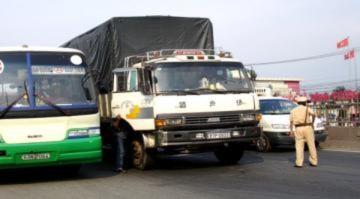 Cửa ngõ Sài Gòn kẹt xe 2km