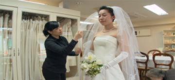 Đám cưới bùng nổ sau động đất ở Nhật