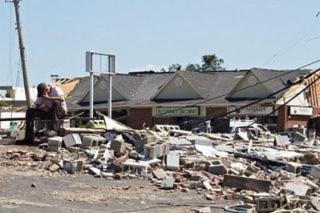 Gần 300 người chết trong bão lốc kinh hoàng ở Mỹ