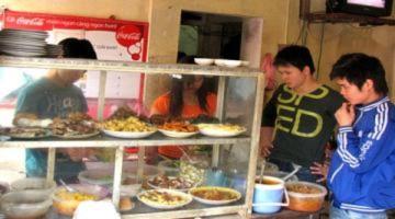 Giá cả tăng cao, quán ăn bình dân tìm kế giữ khách