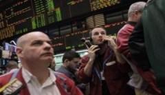 Giá dầu vượt 110 USD vì ECB nâng lãi suất cơ bản