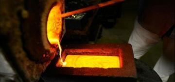 Giá vàng thế giới vượt 1.500 USD, trong nước lên 37,6 triệu đồng