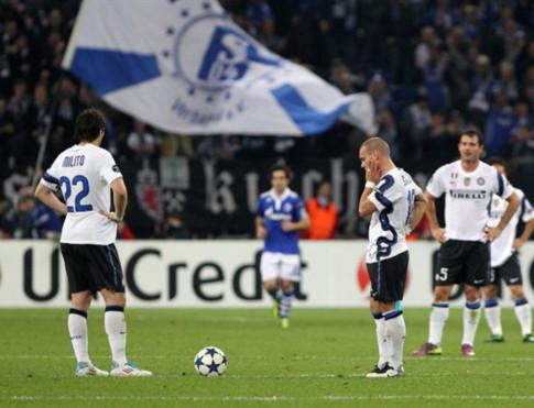 Không có điều kỳ diệu nào diễn ra với Inter ở Veltins Arena. Họ thậm chí còn thua tiếp và rời cuộc chơi với thất bại ê chề. Ảnh: AFP.
