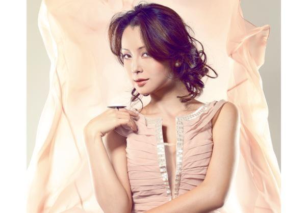 Jennifer Phạm đẹp ngây ngất