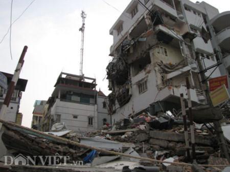 Lời kể của nhân chứng vụ nhà năm tầng đổ sập