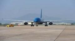 Nhật còn một sân bay đóng cửa sau thảm họa