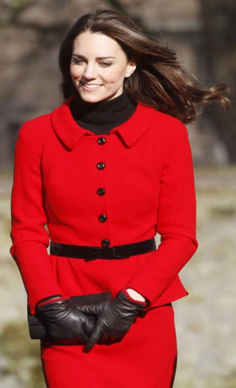 Hôn thê của Hoàng tử William - Kate Middleton đã vượt qua mẹ chồng là công nương Diana để đứng vị trí thứ 3 trong danh sách.