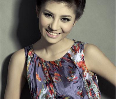 Phan Thị Hương Giang tham dự Miss Global Beauty Queen 2011
