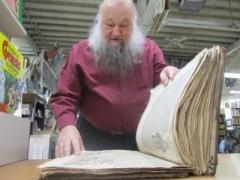 Sách cổ 500 năm xuất hiện ở Utah
