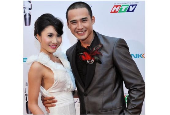 Sao rạng rỡ trên thảm đỏ HTV Awards 2011