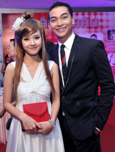 Hot girl Midu và diễn viên Khương Ngọc.