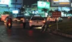 Taxi bát nháo ban đêm quanh sân bay Tân Sơn Nhất
