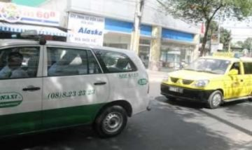 Taxi Hà Nội bắt đầu tăng cước