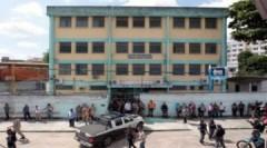 Thảm sát trường học Brazil làm chết 12 người