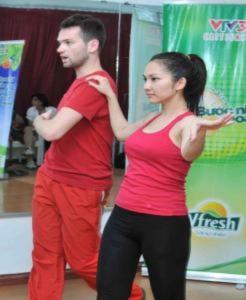 Thí sinh Bước nhảy hoàn vũ luyện tập cho đêm thi đầu