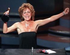 """TOP 10 ngôi sao """"chuyển nhà"""" thành công nhất Hollywood"""