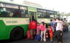 Xe buýt TP HCM tính chuyện 'trùm mền' vì giá xăng tăng
