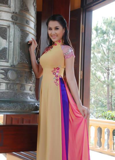 Sau khi đoạt danh hiệu Hoa Hậu khu vực Nam Mekong vào tháng 5/2008 tại thành phố Sóc Trăng. vài tháng sau, người đẹp đoạt Á hậu 1 - Hoa hậu Du lịch Việt Nam được tổ chức tại TP HCM trong khi người đẹp Ngọc Diễm đoạt danh hiệu Hoa hậu