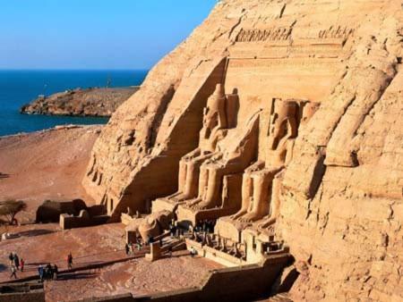 Bí ẩn về những lỗ khoan tròn nhẵn Ai Cập cổ đại