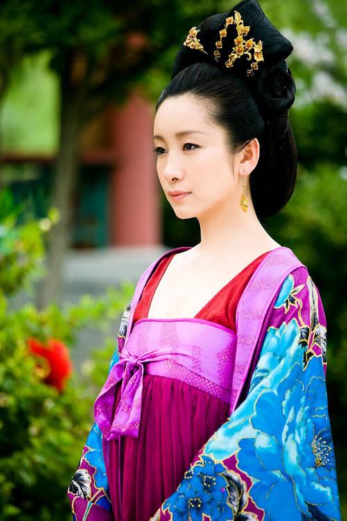 Nhan sắc yêu kiều của Hàn Quốc công chúa.