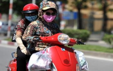 Hà Nội đón đợt nắng nóng đầu tiên trong năm