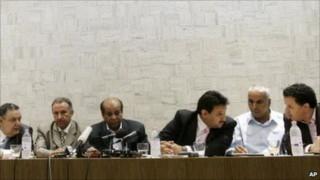 """Hàng loạt tướng lĩnh Libya """"bỏ rơi"""" Tổng thống Gaddafi"""